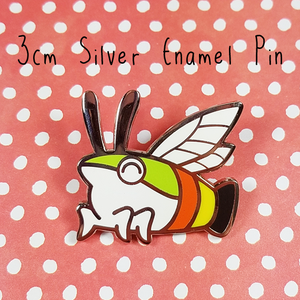 Hummingbird hawk moth enamel pin
