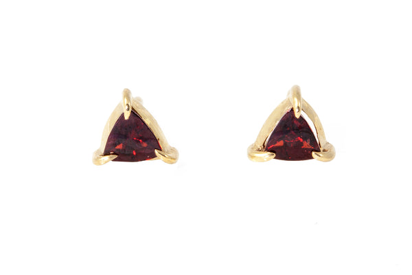 Mini Triangle Garnet Stud Gold