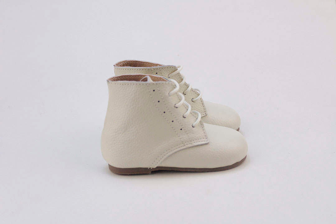 Vintage Lace Up Boot - Cream - westcoastmocs