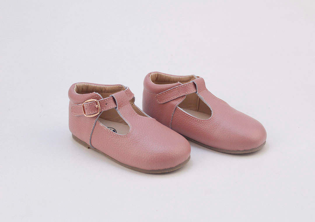 Toddler-shoes-girl