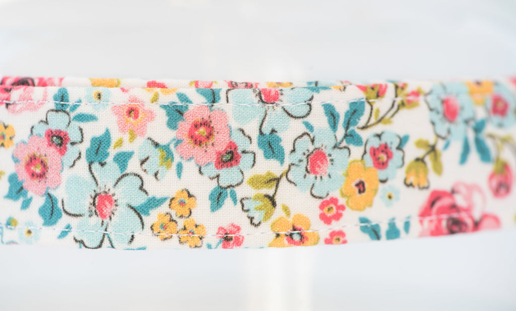 Dainty Flowers Leash