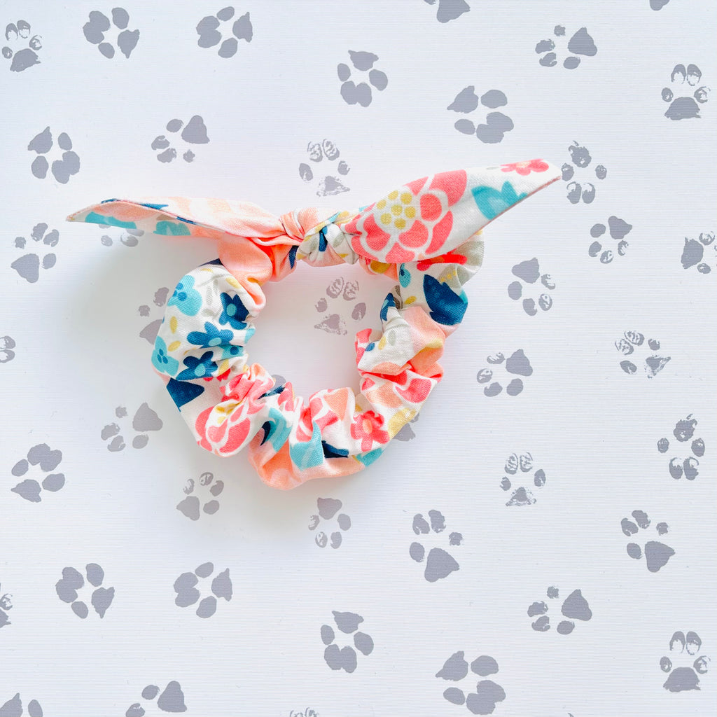 Avery Floral Scrunchie