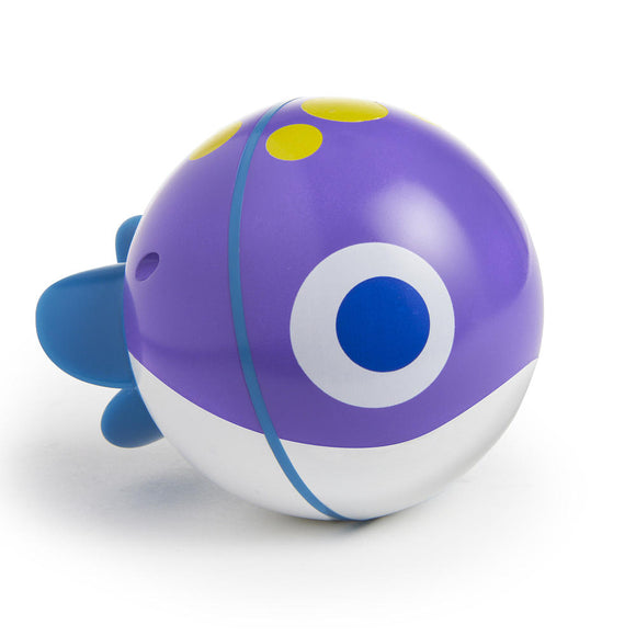Munchkin SpinBall Fish Bath Toy (Color May Vary)