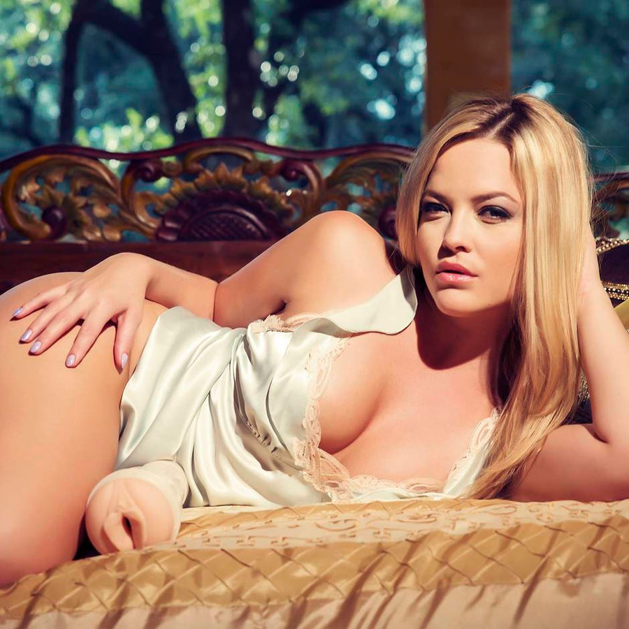 Fleshlight Girls Alexis Texas Vagina Outlaw Textured Male Masturbator