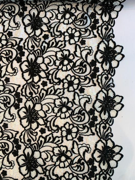 Double-Scalloped Floral Guipure Lace - Black / White
