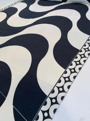 Retro Waves with Double Border Pattern Printed 2-Ply Stretch Silk Crepe - Black / White