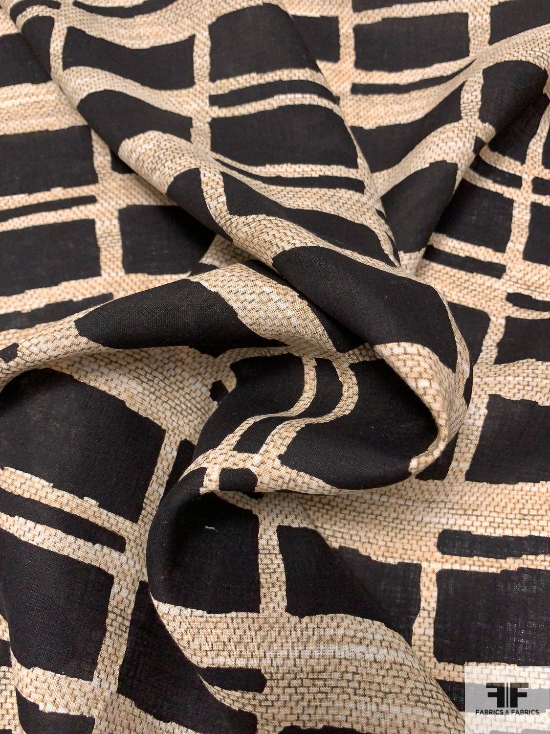 Lightweight Geometric Printed Linen - Black / Beige