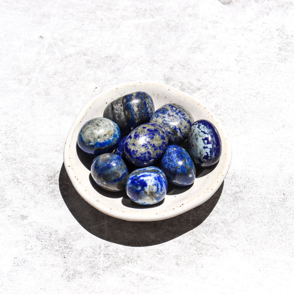LAPIS LAZULI PEBBLE : Friendship, Truth