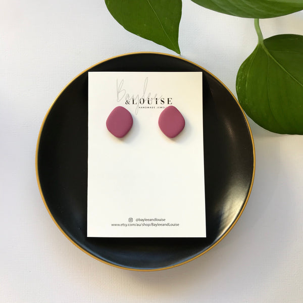 Terra Small Studs in Berry