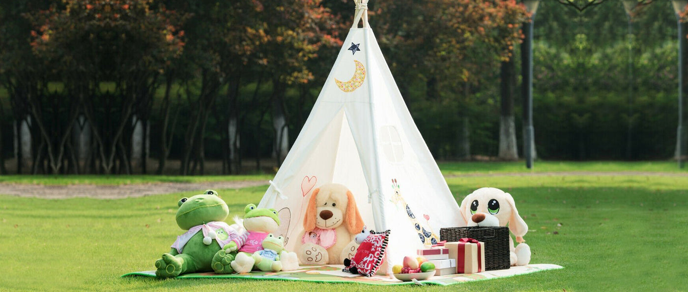 Children's White Canvas Teepee for play.