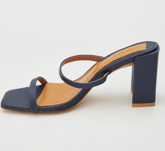 SQUARE HEEL NAVY