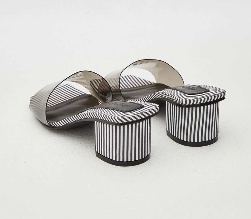 PVC STRIPED SLIDE BLACK & WHITE
