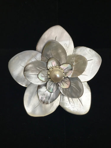 Mother of Pearl Flower Magnet