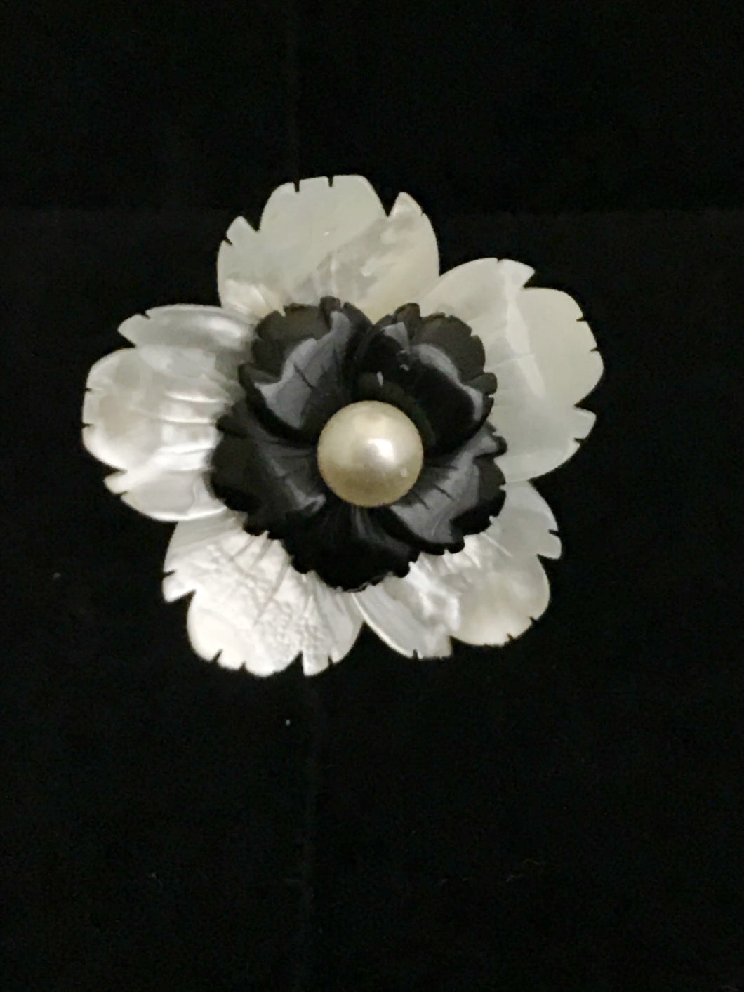 Mother of Pearl & Onyx Double Flower Magnet