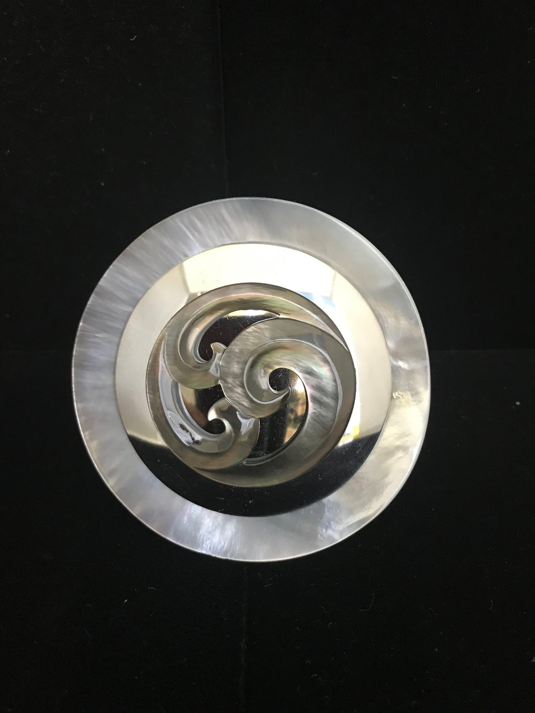 Mother of Pearl Swirl Magnet