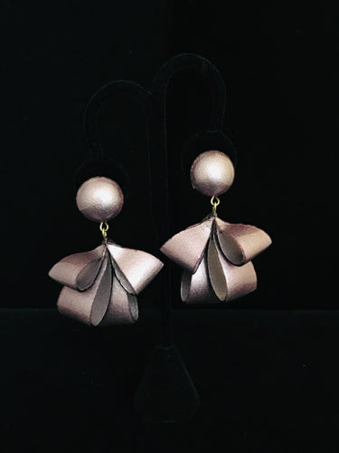 French Resin Dangling Bow Earrings