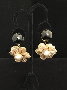 French Resin Dangling Gold Flower Earrings