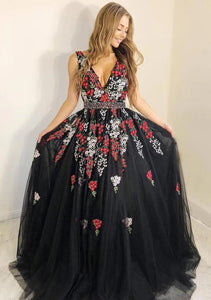 Shop A-Line V-Neck Black Tulle Long Prom Dress with Appliques VB5058