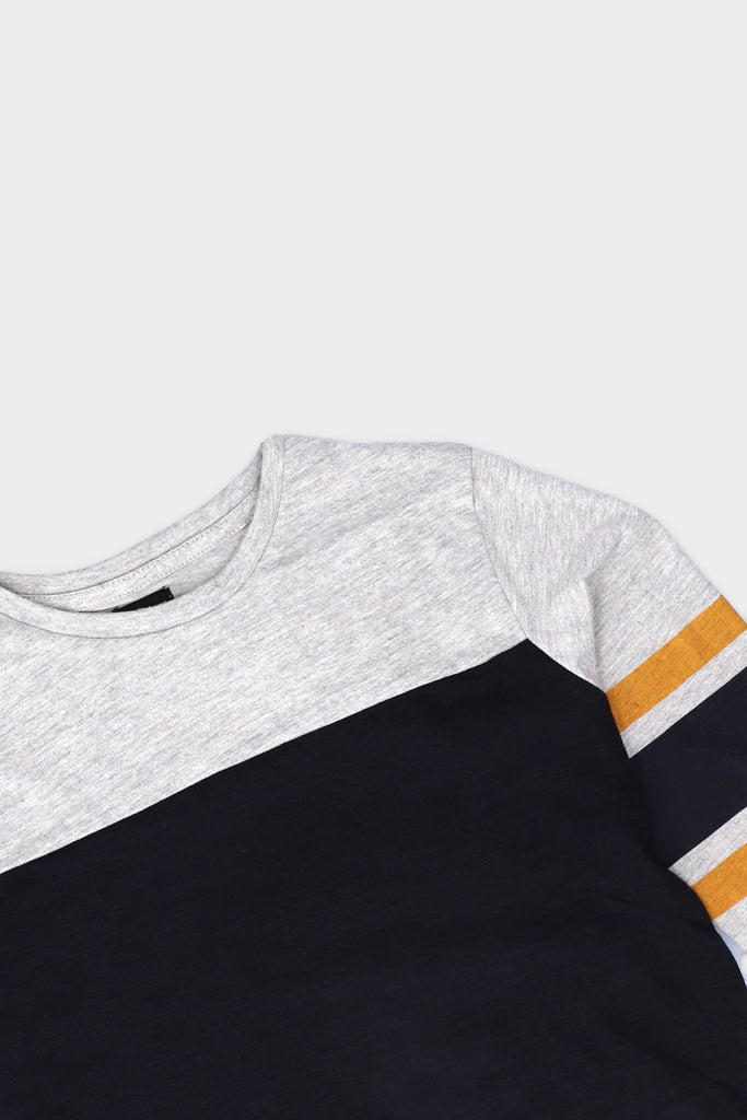 Three Tone Round Neck T shirt
