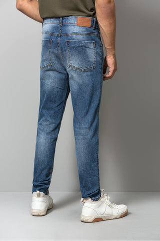 Light Washed Carrot Cut Jeans