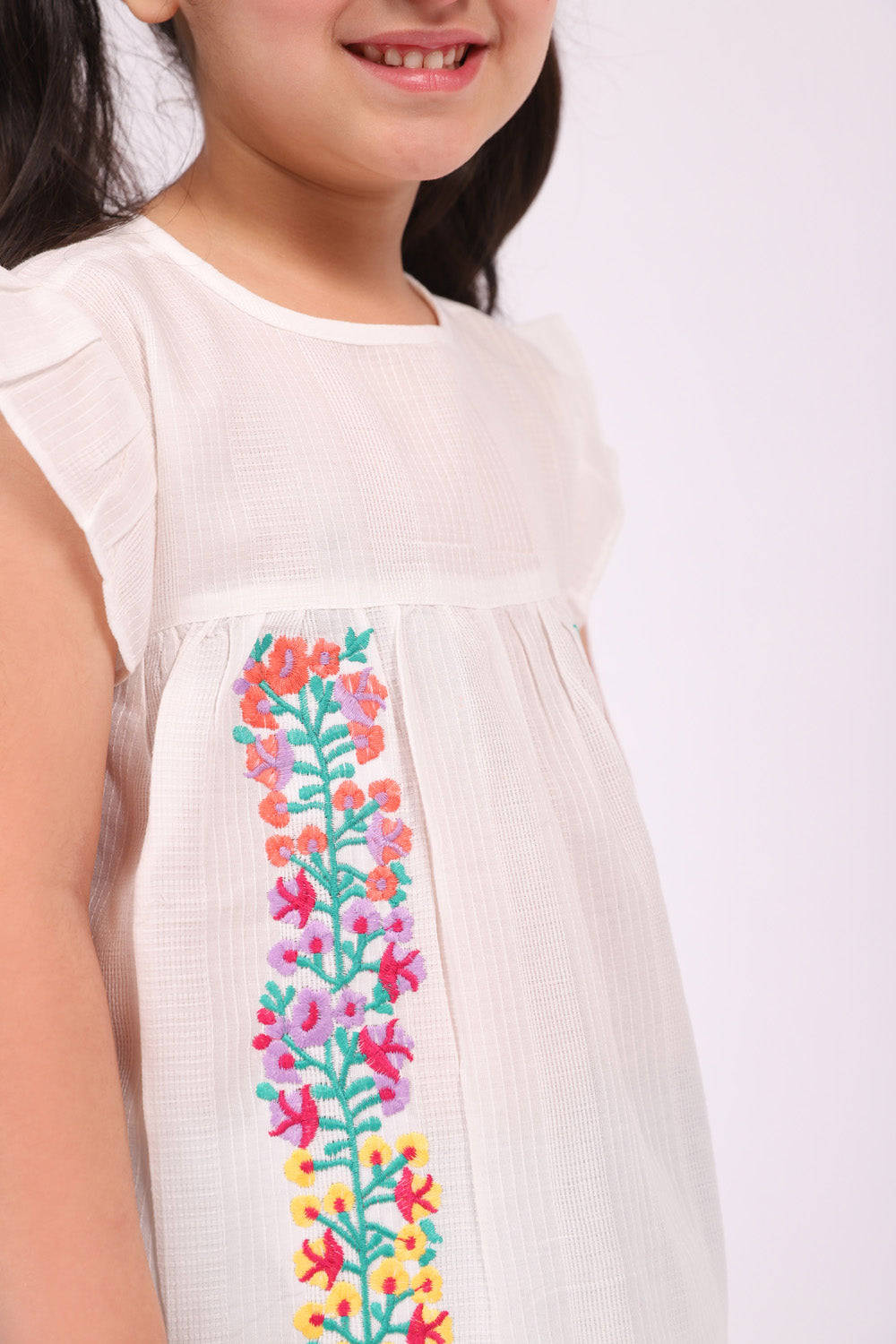 Flowy embroidered Shirt