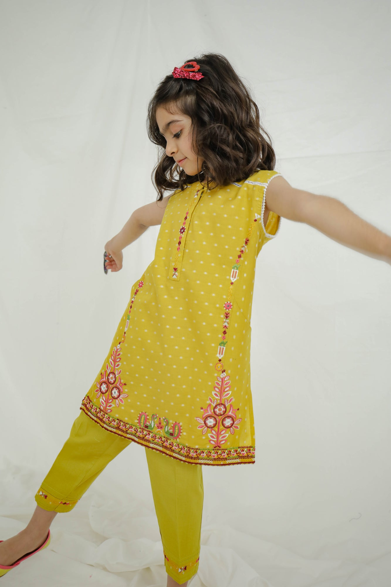 EMBROIDERED SUIT (GTB203313) - Ethnic by Outfitters