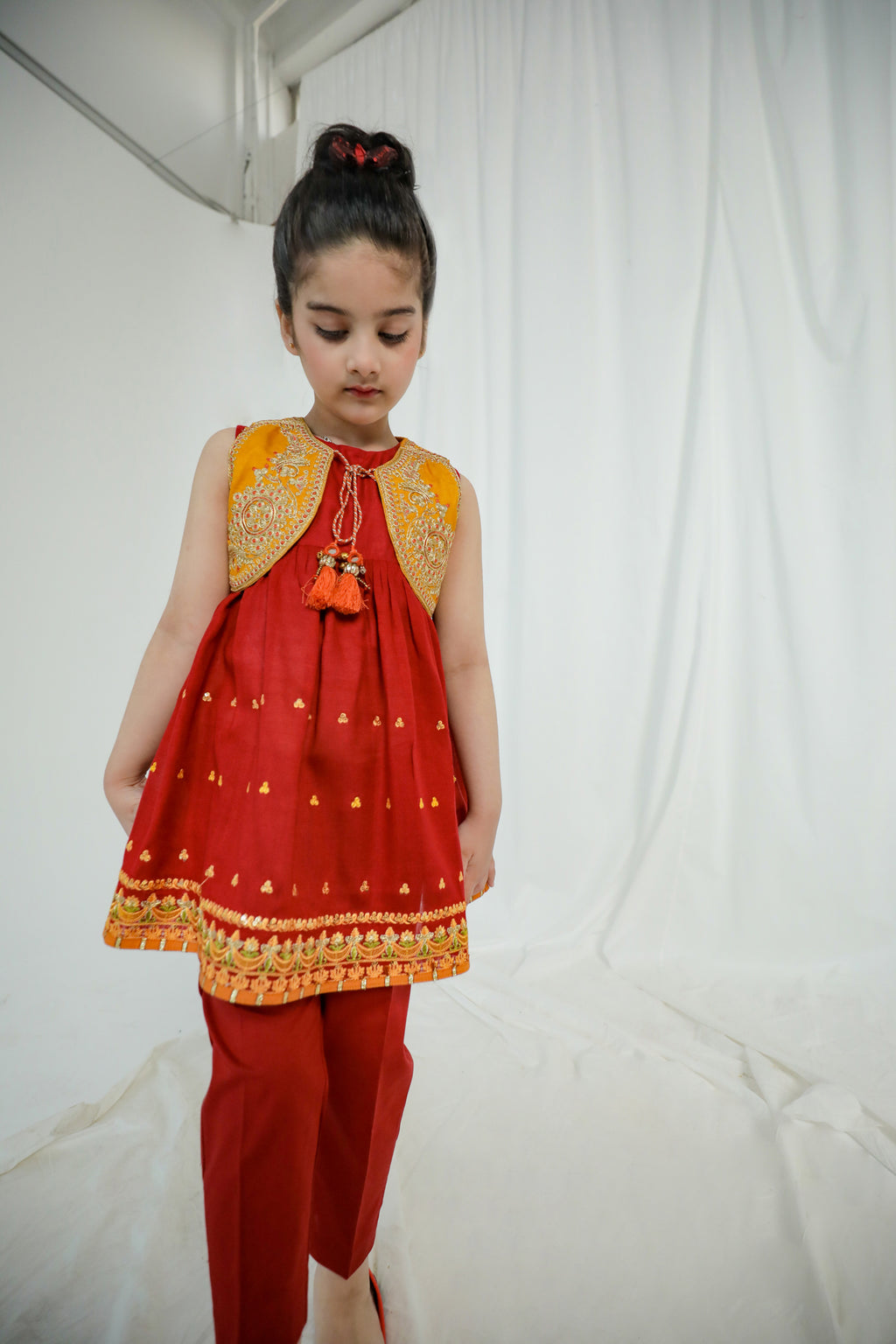 EMBROIDERED SUIT (GTB203324) - Ethnic by Outfitters