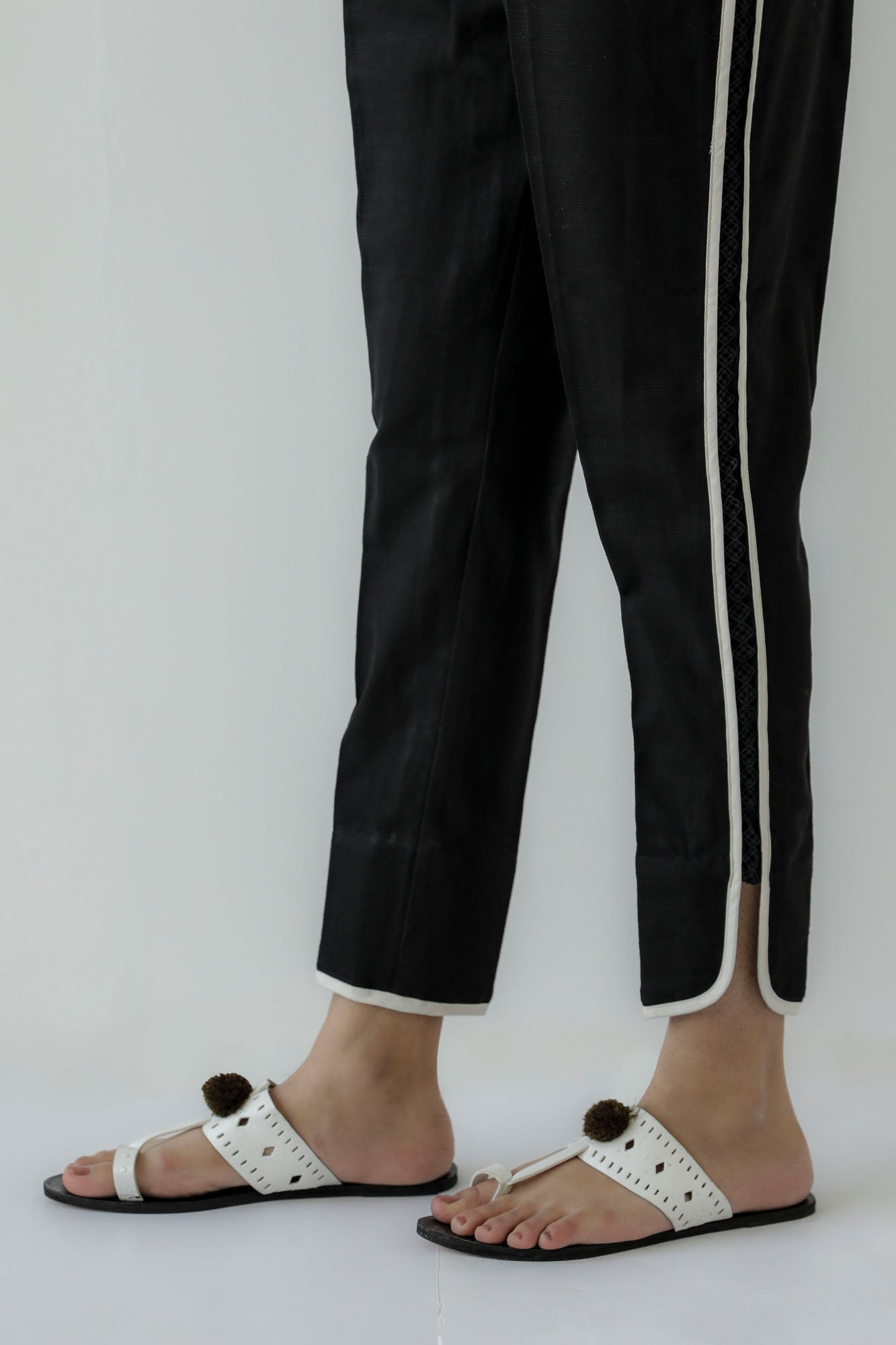 CURVED HEM CASUAL TROUSER (WBC401154)