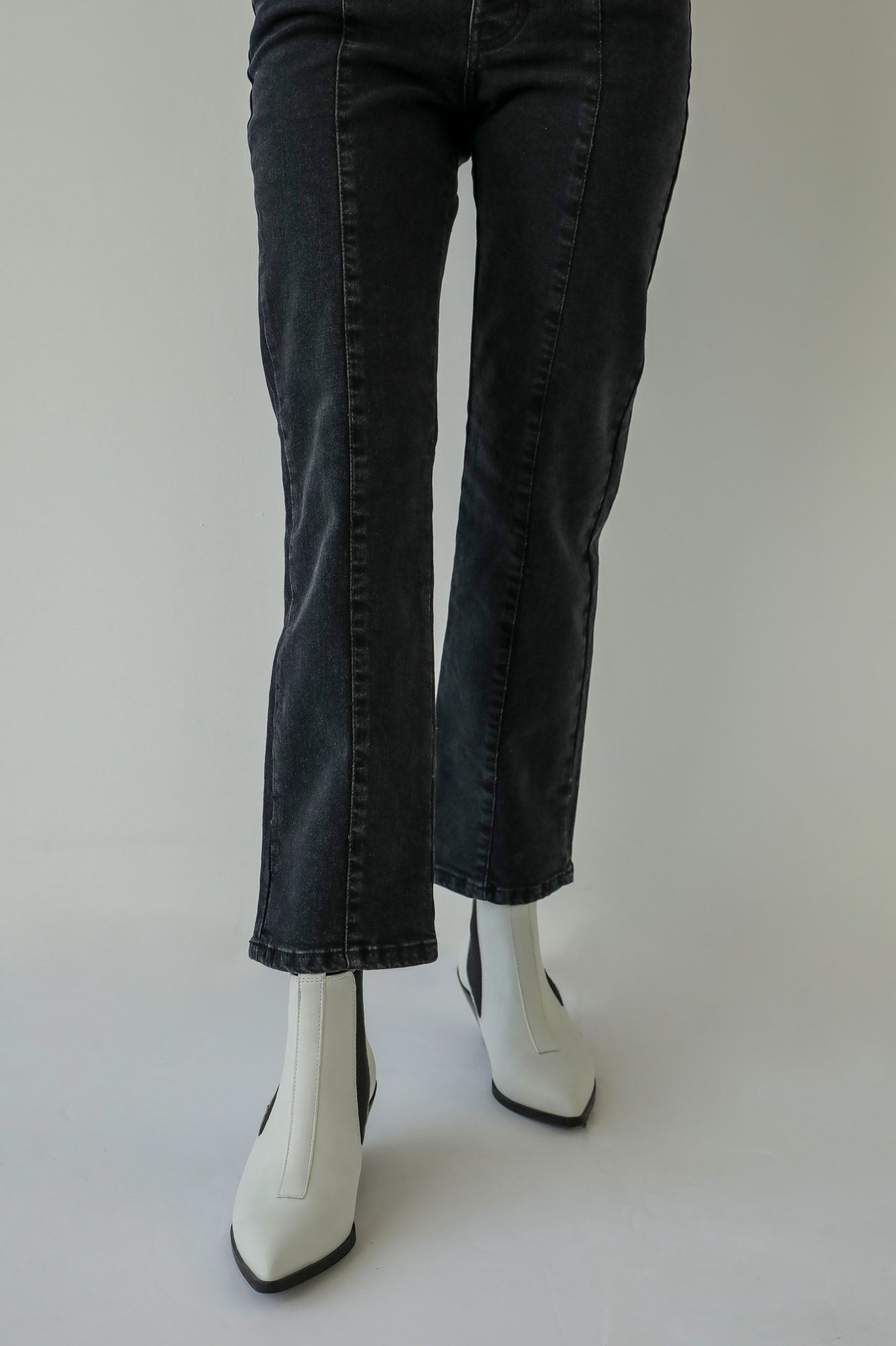 STRAIGHT FIT JEANS (WBW401789)