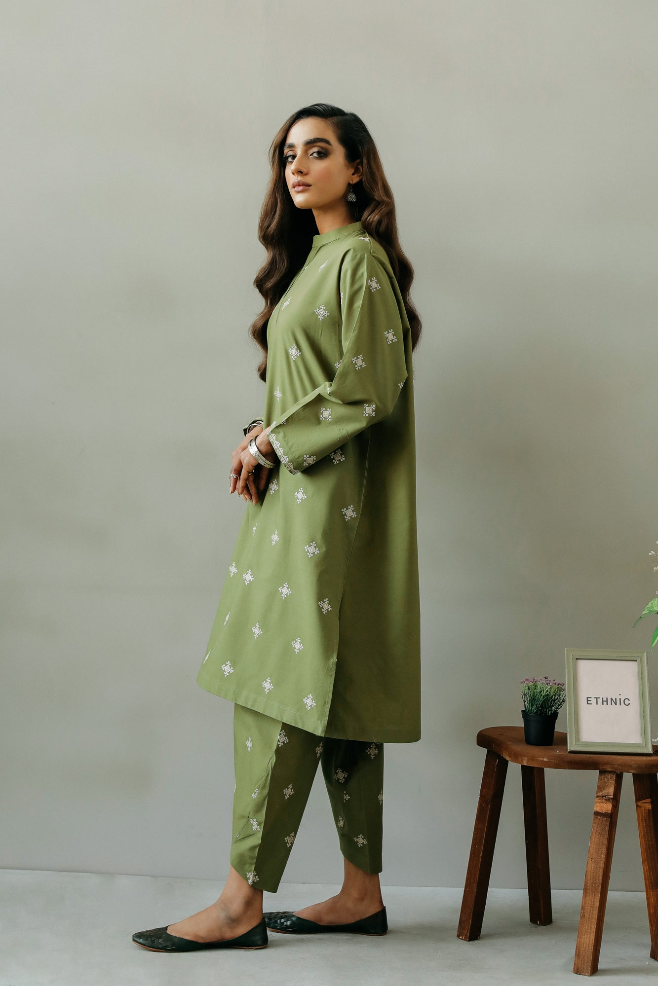EMBROIDERED SUIT (WTR111382) - Ethnic by Outfitters