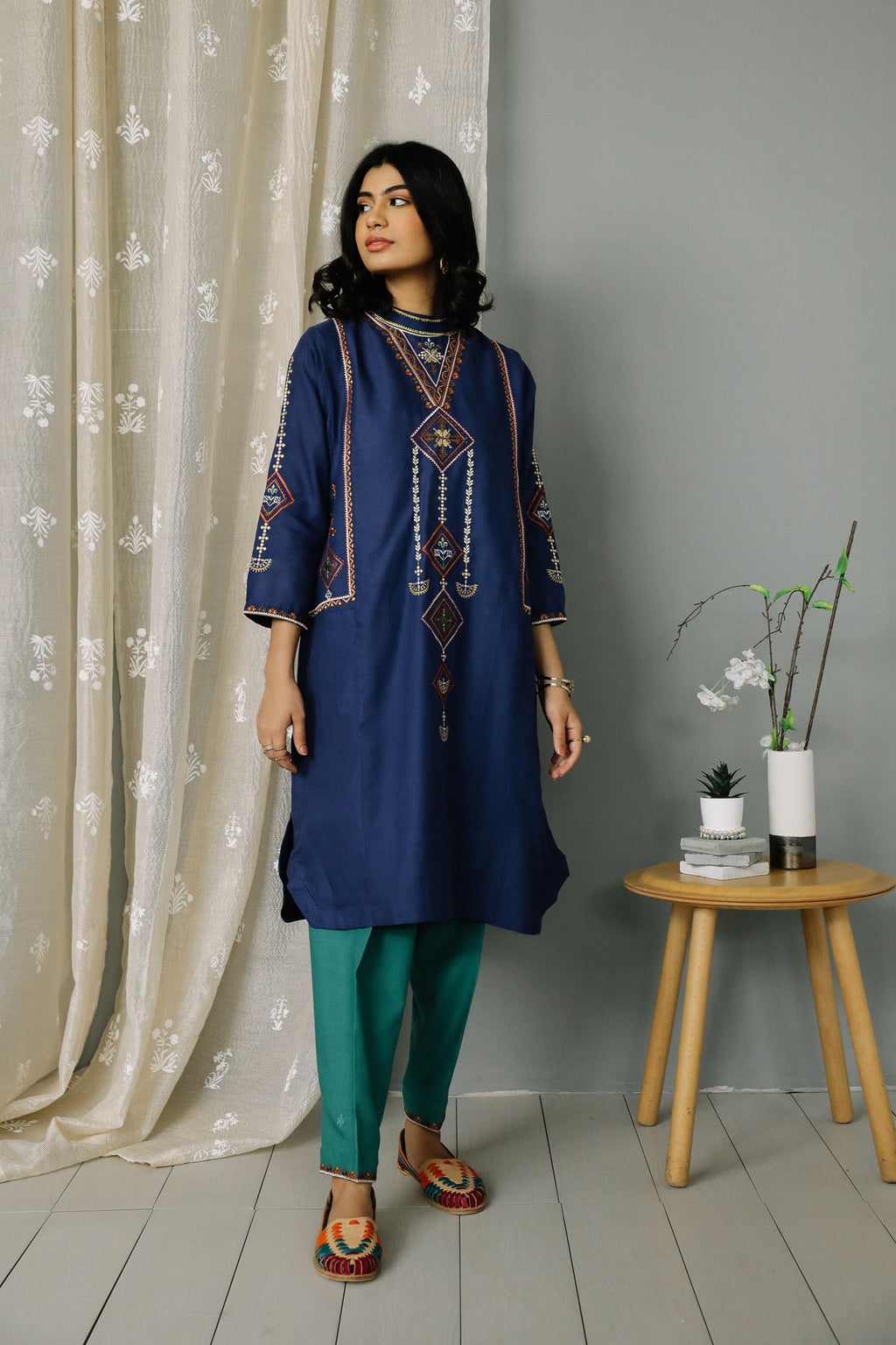 Rozana Suit (WTR201332) - Ethnic by Outfitters