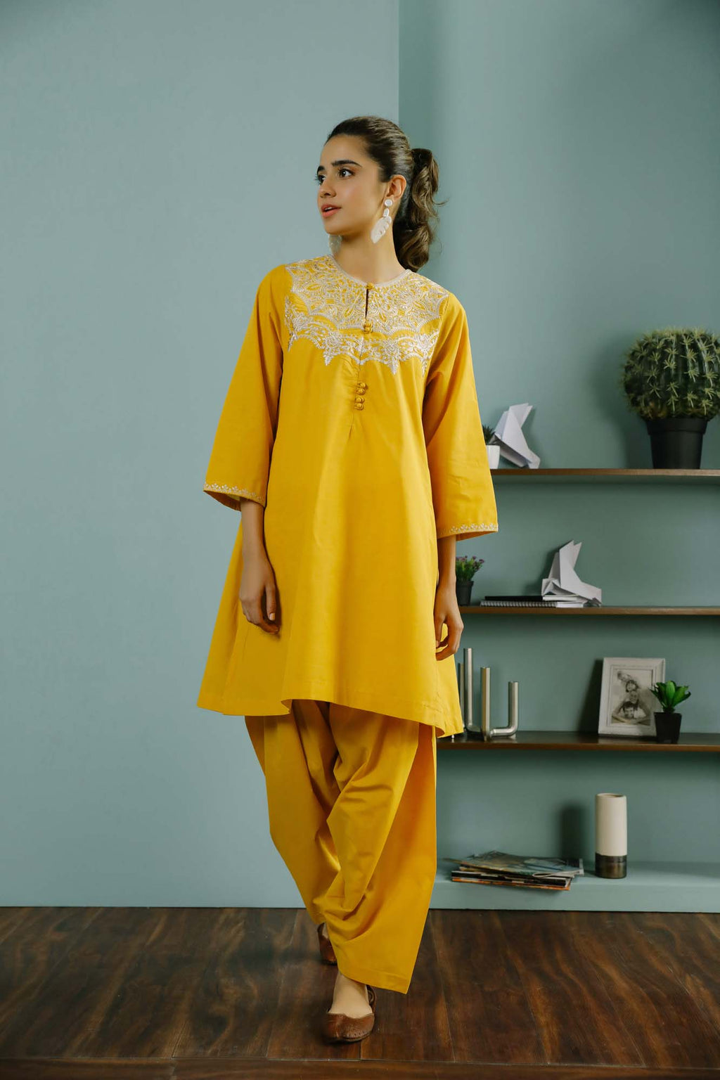 Rozana Suit (WTR101444) - Ethnic by Outfitters