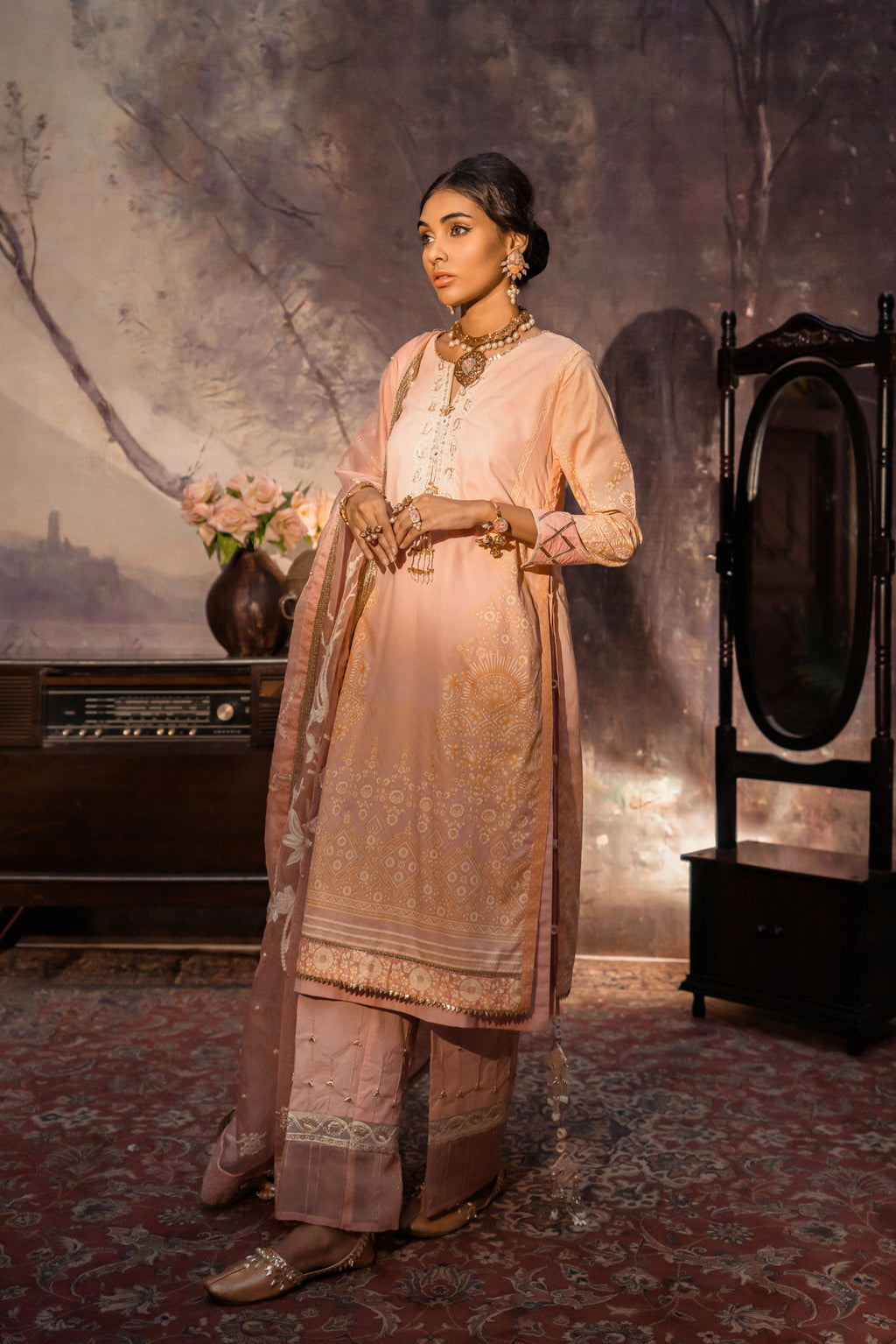ENGLISH ROSE - Ethnic by Outfitters