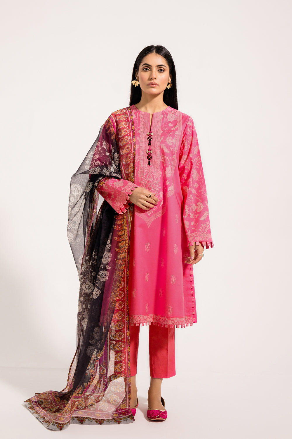 Ethnic FAME-WUC111260 A Spring Lawn