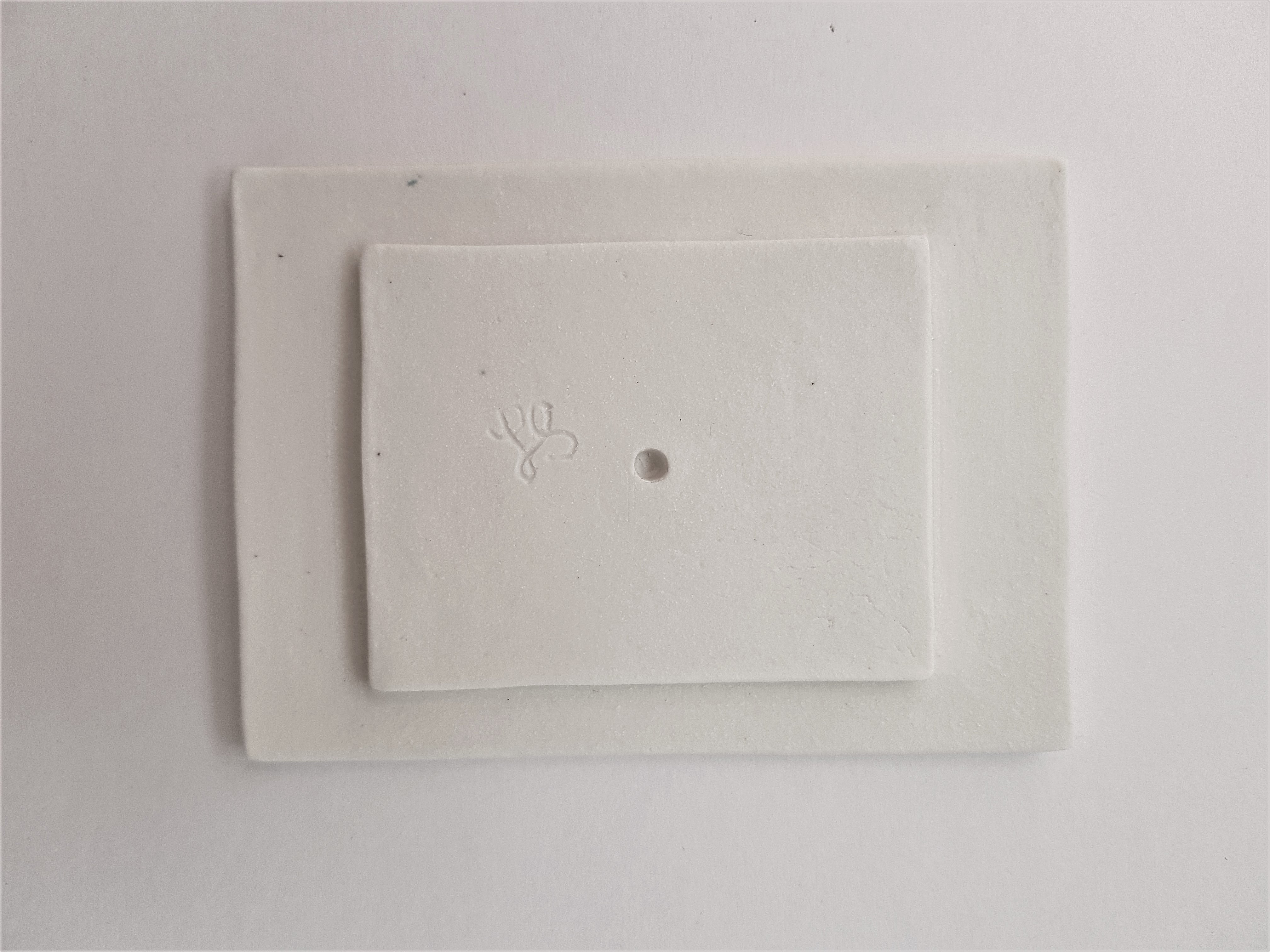Simple White Porcelain Soap Dish