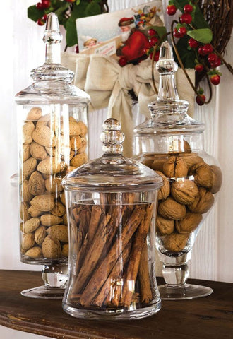 Mega size glass jars displaying cinnamon sticks and nuts. Interior design blog about our tips on bringing your kitchen to life without spending too much money. Written by vintage-etc in Cape Town. We make custom made & bespoke tables, benches, free-standing kitchen islands, desks, media units & wardrobes in our Cape Town & Johannesburg workshops – using Oak, Oregon, Ash, Beech, Birch Ply & Meranti. We also sell imported furniture, provide design consulting services & make soft furnishings e.g. sofas & upholstered chairs in linen, velvet & stain resistant fabric.