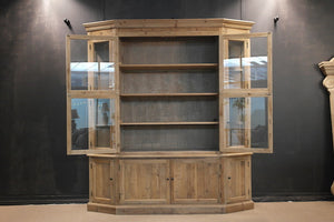 Roy Cabinet
