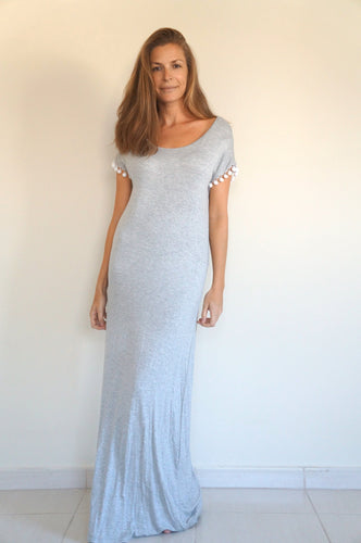 The Tshirt Maxi dress – Light Grey with Pom-pom Sleeves