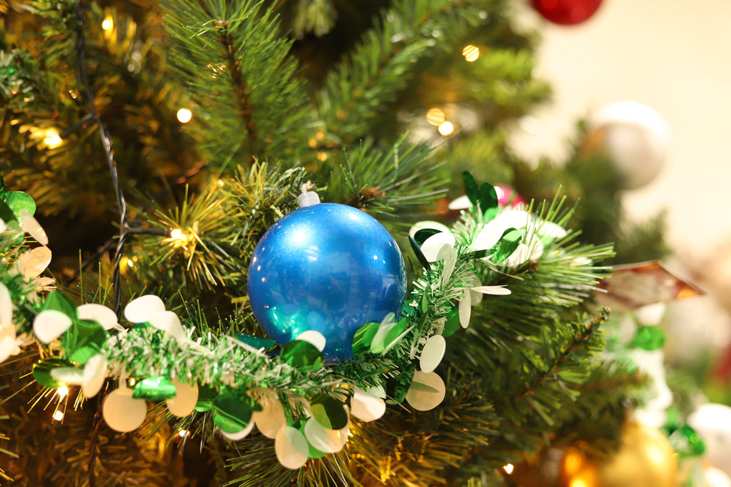 Christmas Tinsel Green White with Ball 2m x 6ply