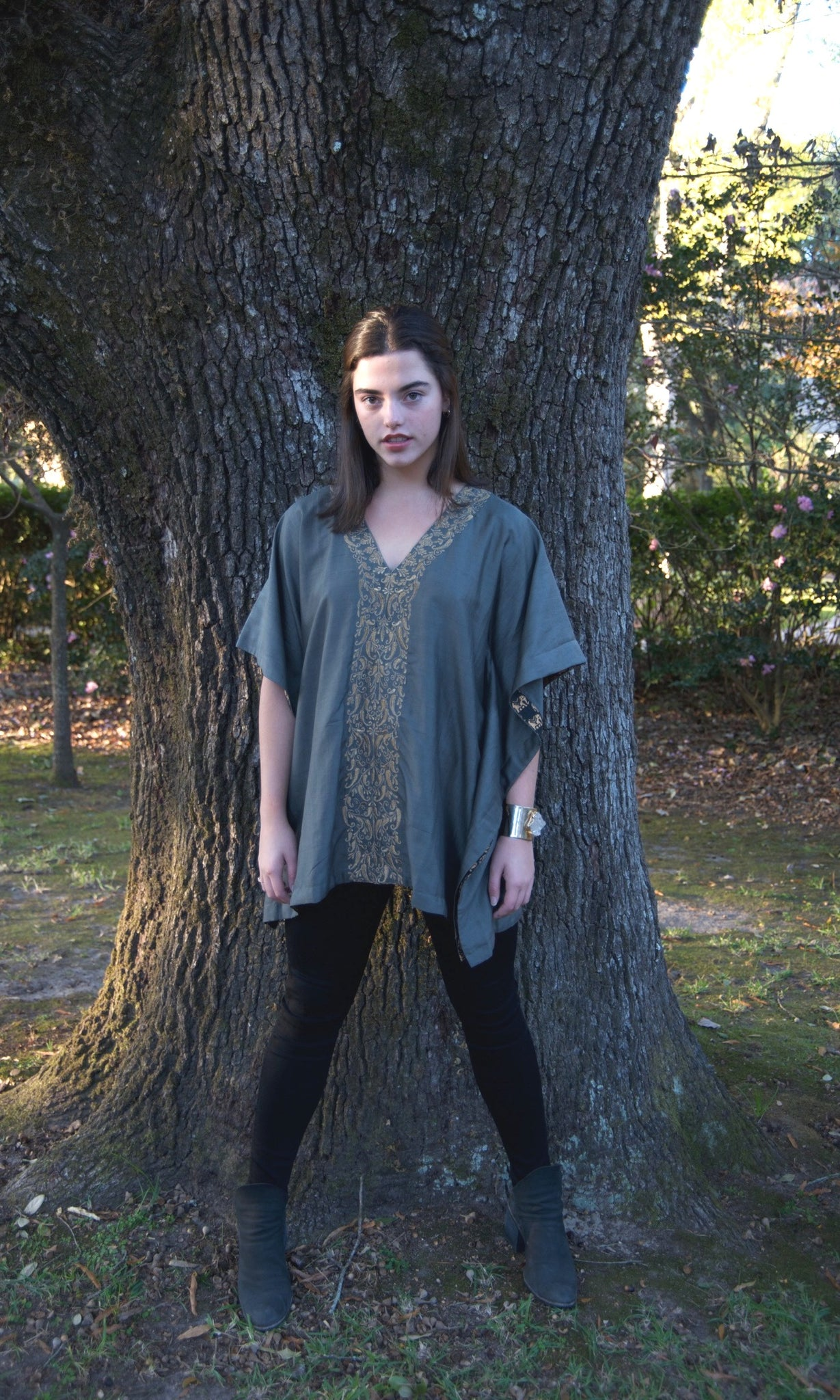 Earl Grey Silk Kaftan Top | Gold Dori Embroidery - sueanu