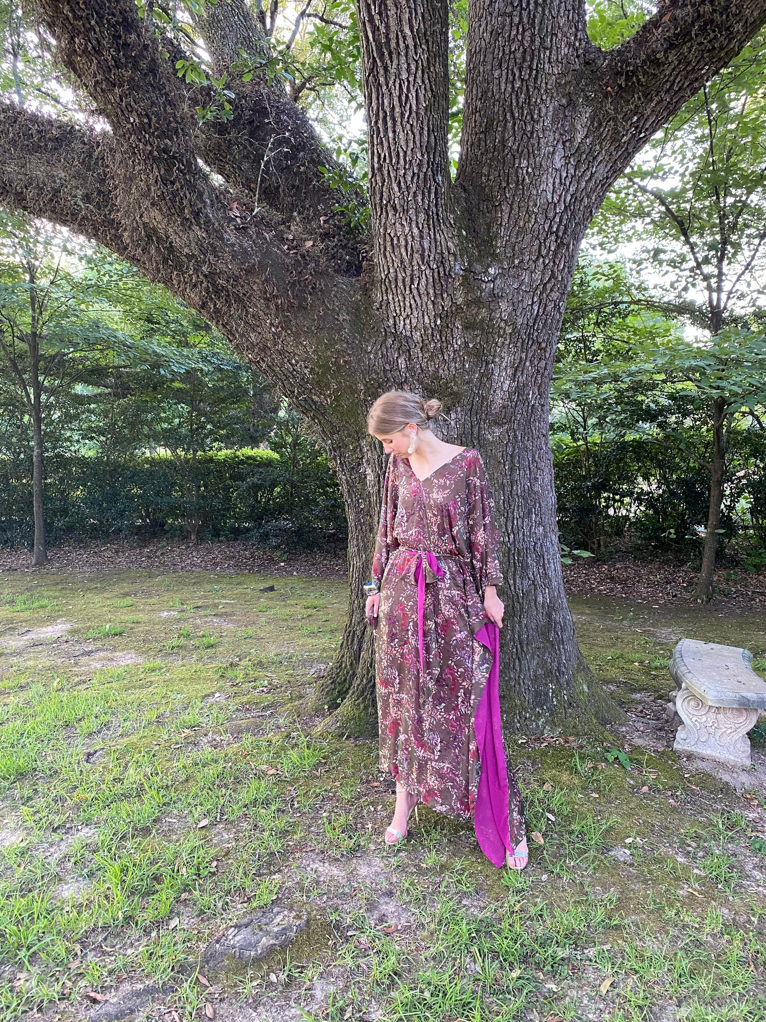 Lyford Hand~Loom Silk Chiffon Plunging V neck Kaftan Dress | Thyme / Magenta