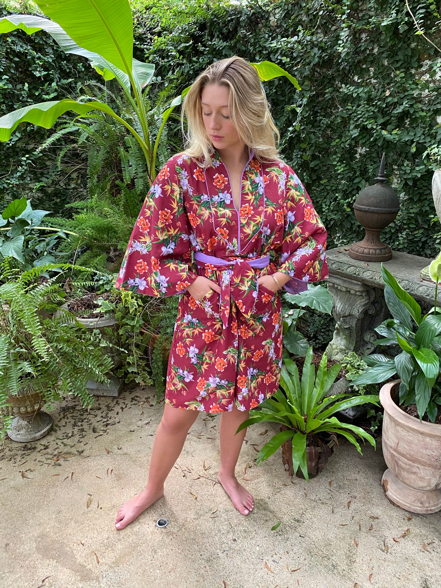 Taj Kaftan Short Shift  | burgundy / orchid cotton voile pacific print