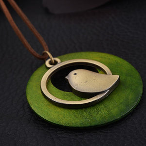 Wooden Bird Pendant Necklace. A real tweetie sweetie - Garden Gift Hub