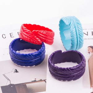 Lovely Leaf Resin Carved Bangle Bracelets - Garden Gift Hub