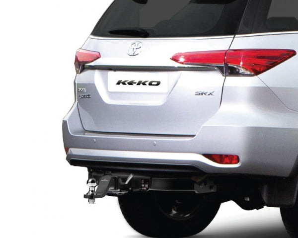 ENGANCHE REMOLQUE TOYOTA FORTUNER 2017-2021