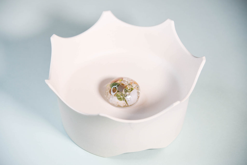 CROWNJUWEL GEM-WATER PET BOWL BY VITAJUWEL - NATURAL WHITE