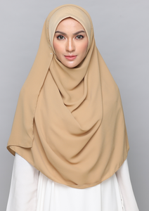 NAYLA DELUXE in Almond Cream
