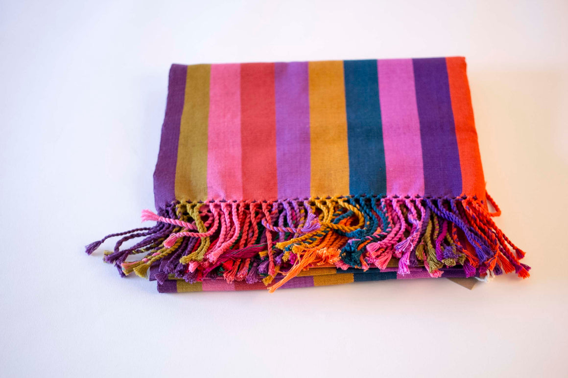 Chéel Table Runner