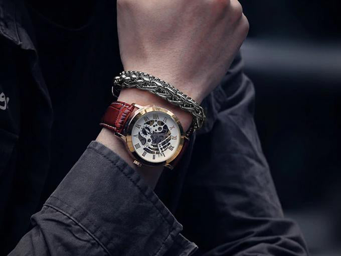 A guide to perfectly combine bracelet with your watch