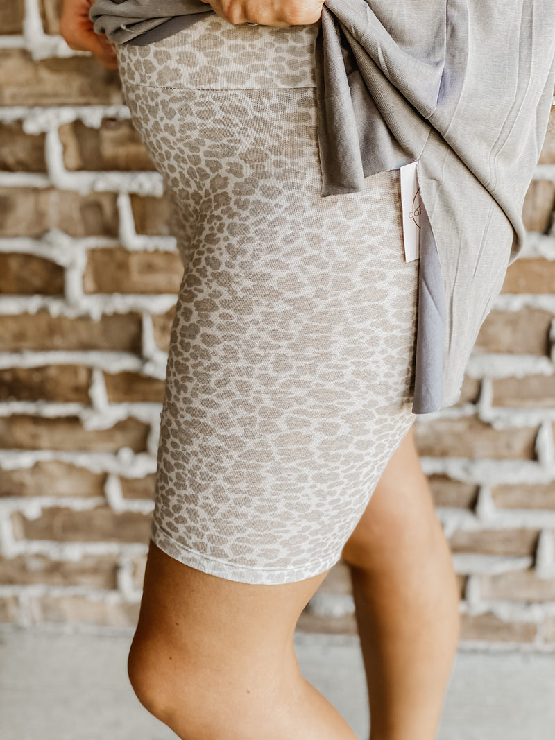The Leopard Biker Short TAUPE